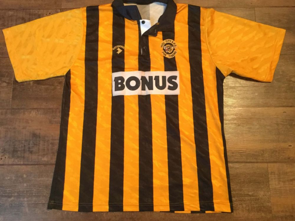Global Classic Football Shirts | 1990 Hull City Vintage Old Soccer Jerseys